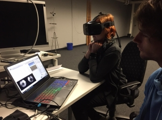 Niklas and Tamara trying out the PLATYPUS VR